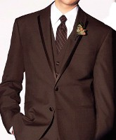dd1ab20b8632 Klasikou je vesta ze stejného materiálu jako je oblek.